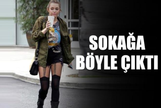 Amerikalı ünlü şarkıcı Miley Cyrus, giydiği şortu ve jartiyeriyle bakışları üzerine topladı.