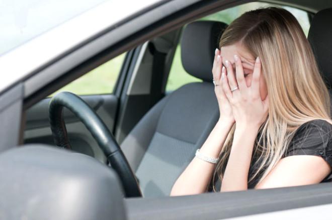 Amaksofobi / Taşıt korkusu: Hareket halindeki bir taşıtın içinde bulunma korkusu olarak bilinir. Halk arasında otomobile binme korkusu olarak da adlandırılıyor