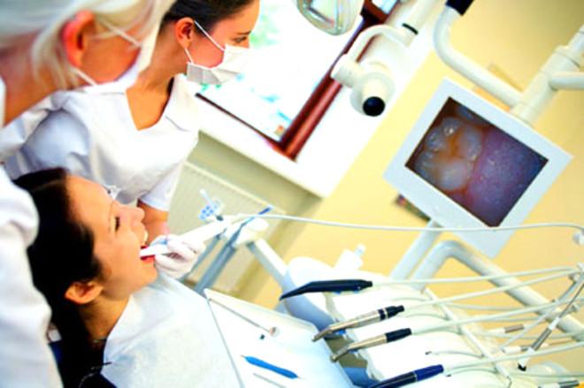 Hastalıkla ilgili bilgileri Erzurum Ağız ve Diş Sağlığı Merkezi Başhekimi Yüksel Ayaz, yukarıdaki gibi veriyor. Ağız kanseri konusunda risk grubunu özellikle erkekler oluşturuyor.
