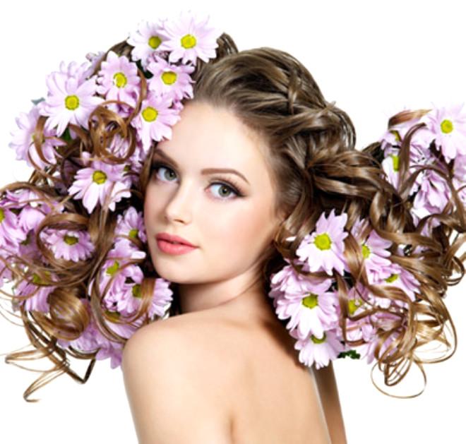 Saç şampuanınızı ve bakım kürünüzü saçlarınızın rengine, yıpranma derecesine, uzunluğuna, şekline göre tercih etmelisiniz.