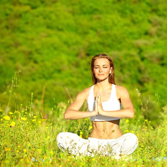1. Ananda Yoga: Farkındalık seviyesini yükseltip, beden, ruh ve zihin arasındaki dengeyi sağlama amaçlıdır.