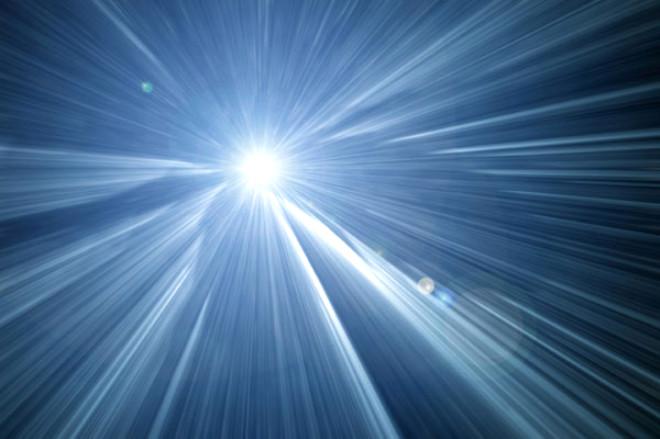 Michigan Üniversitesi, ölümden dönen kişilerin anlattıklarının sırrını çözebilmek için ölmek üzere olan dokuz sıçanı izledi. Hayvanların kalbinin durmasından sonraki 30 saniye içinde gama salınımları olarak bilinen yüksek frekanslı beyin dalgalarında ani bir yükselme tespit edildi.