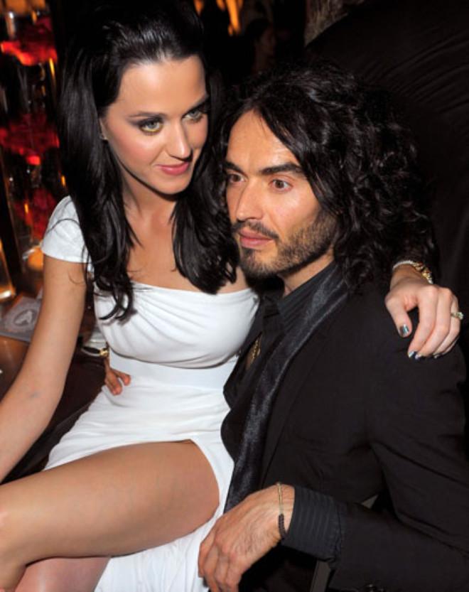 Komedyen Russel Brand 1.5 yıl evli kaldığı eski eşi ünlü şarkıcı Katy Perry