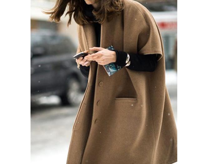 Soğuk kış ayları geldi çattı,. Bu sezon oversized paltolar sizi hem sıcak hem şık tutacak.