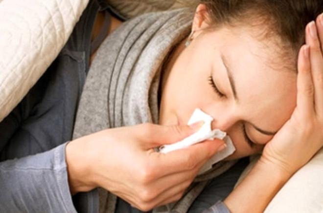Sağlık Bakanlığı birkaç ay içinde bir milyon kişiyi etkileyen H3N2 grip virisü için harekete geçti. Hastalıktan kurtulma reçetesi yayınlayan bakanlık, beslenmeye dikkat edilmesini ve bol narenciye tüketilmesini tavsiye etti.