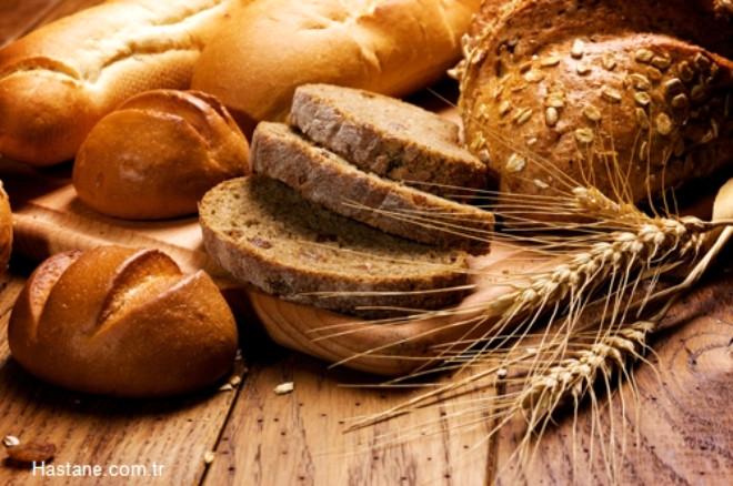 07-10 arası: Kepekli yada kepeksiz iki dilim arasına yağlı yada yağsız bir dilim beyaz peynir, 5 tane zeytin ve ekmeğinizi kaplayacak şekilde kırmızı biber. Kekik seviyorsanız arasına birazda kekik dökün.