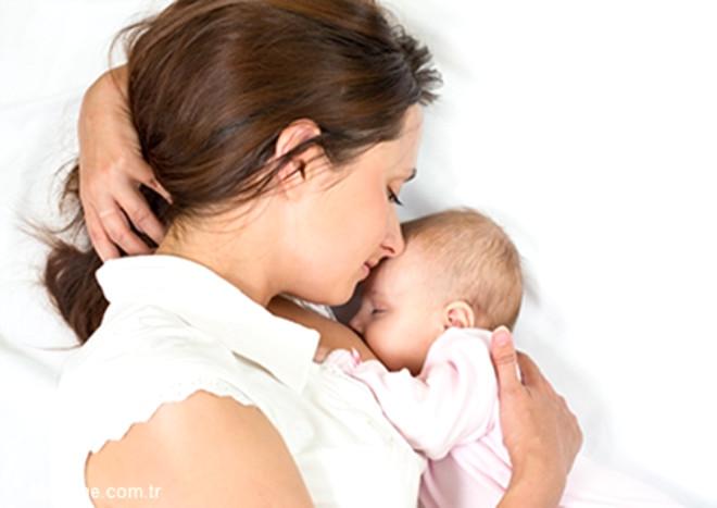 Anne sütü bebeğin ruhsal, bedensel ve zeka gelişimine yardımcı olur.