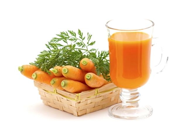 Köklü besinler, havuç, bal kabağı, tatlı patates gibi beta karoten ve A vitamini içerir.