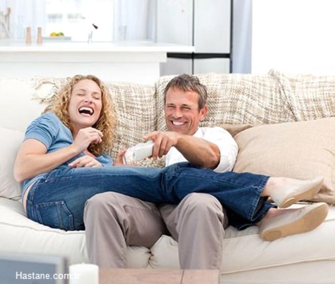 Erotik film: Partnerinizle beraber erotik film izleyin. Bu sizi uyaracak ve istediğinizi arttıracaktır.