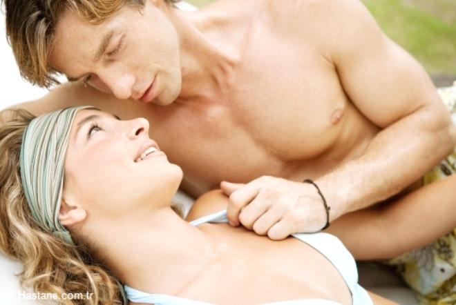 Erkeklerde testosteronu arttırıcı, dengeleyici ve normal seviyesini koruyucu, Libido kaybını engelliyor.   Ereksiyon problemlerini ortadan kaldırıyor.