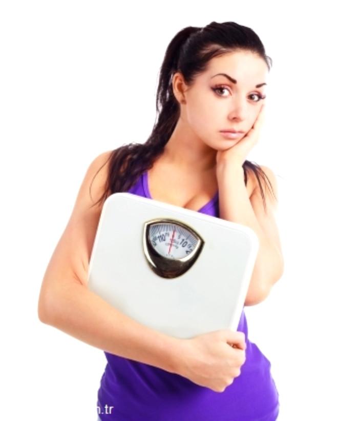 Egzersiz, aslında sadece kilo vermenize değil, almanıza da yarayabilir. Kas kütlenizi sağlıklı bir şekilde artırarak doğal yollarla da kilo alabilirsiniz. Uygulayacağınız egzersizleri muhakkak sağlıklı beslenmeyle desteklemeniz gerektiğini de unutmayın. İşte size kilo aldıran birkaç egzersiz....