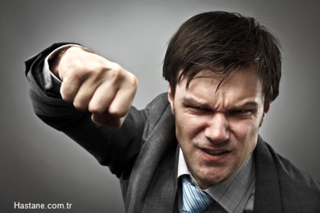 Dürtüsel davranışlar  (tıkınırcasına yeme, kavga etme vb.) varsa