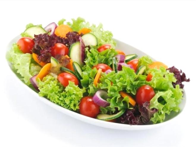 Her gün mutlaka salata tüketilmeli.