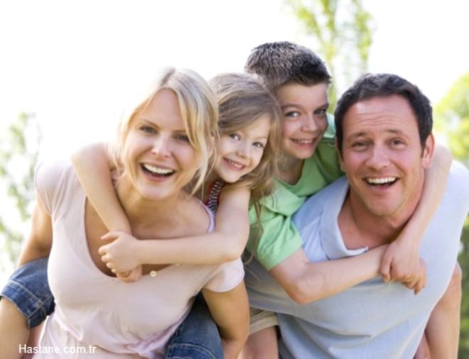 Peki ya sağlıklı bir çocuk için anne-babalar nelere dikkat etmeliler? İşte ebeveynleri yakından ilgilendiren 9 temel ipucu...