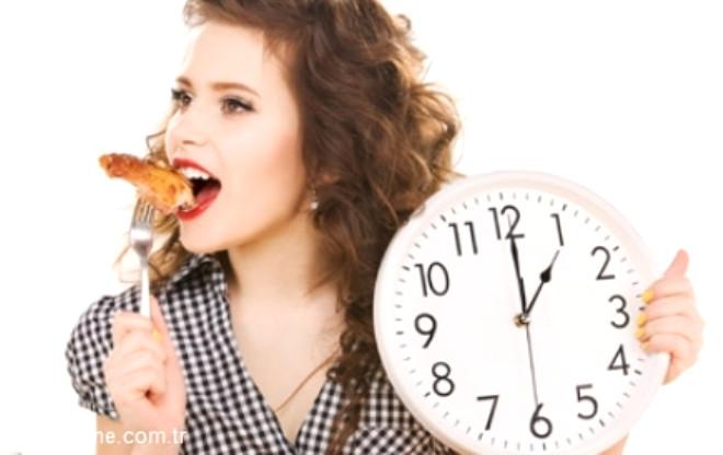 Diyetisyen Gizem Şeber 15 basit tüyo her öğünde daha az kalorili beslenmenin sırlarını veriyor.
