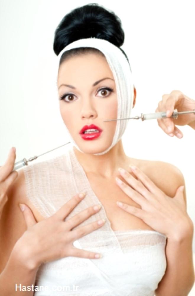Marmara Bölgesi Türkiye'nin estetik merkezi. Marmara Bölgesi'nde en sık yapılan ameliyatlar burun estetiği, meme büyütme, meme dikleştirme, liposuction olarak dağılım gösteriyor.