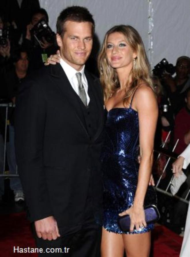 Geçtiğimiz şubat ayında Amerikan futbolu  oyuncusu Tom Brady ile evlenen 28 yaşındaki mankenin 3 aylık hamile olduğu belirtildi.