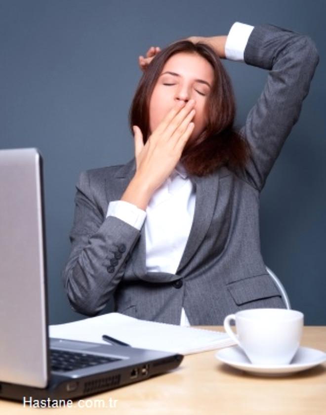 Yorgun olmanıza neden olabilecek 4 ilginç unsur, alışılmışın dışındaki çözüm yollarıyla birlikte Mehmet Öz açıklıyor…