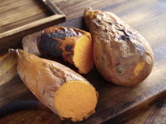 Tatlı patates / Güçlü bir antioksidan olan beta-keraton kaynaklarındandır ve yağ depolanmasıyla savaşır.
