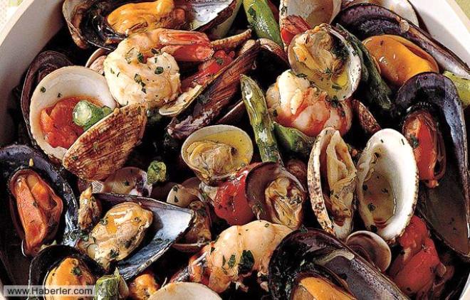 Kabuklu deniz ürünleri: 9.aydan sonra balık ızgara-buğulama olarak verilebilir. Ancak kabuklu deniz ürünleri yüksek alerjen özellikleri ile bilinmektedir. Midye ise civa içerebileceği için bebeğe yedirilmemelidir.