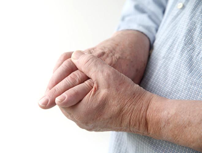 Vücudumuzda en kolay çıtlatabileceğimiz eklem yerlerimiz parmaklarımızdır.