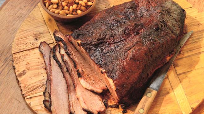 - Tütsülenmiş, salamura ve tuzlu yiyecekler /     Bu yiyecekler, sindirildiğinde nitrik asidi, n-nitrozo denilen bileşime çevirerek özellikle mide ve kalınbağırsak kanserlerine öncü olabilir.