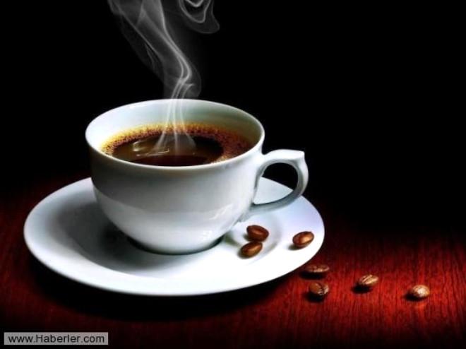 KAHVE: Kahvenin içinde bulunan kafein kısa süre için bir enerji sağlasa da anksiyete seviyesini artırarak cinsel isteksizlik yaratıyor.