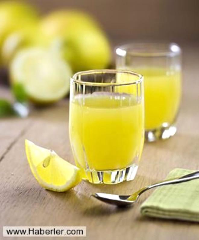 Limondaki asit koltukaltında kokuya neden olan bakterileri öldürür. Ter kokusunu önlemek için limon sürebilirsiniz.