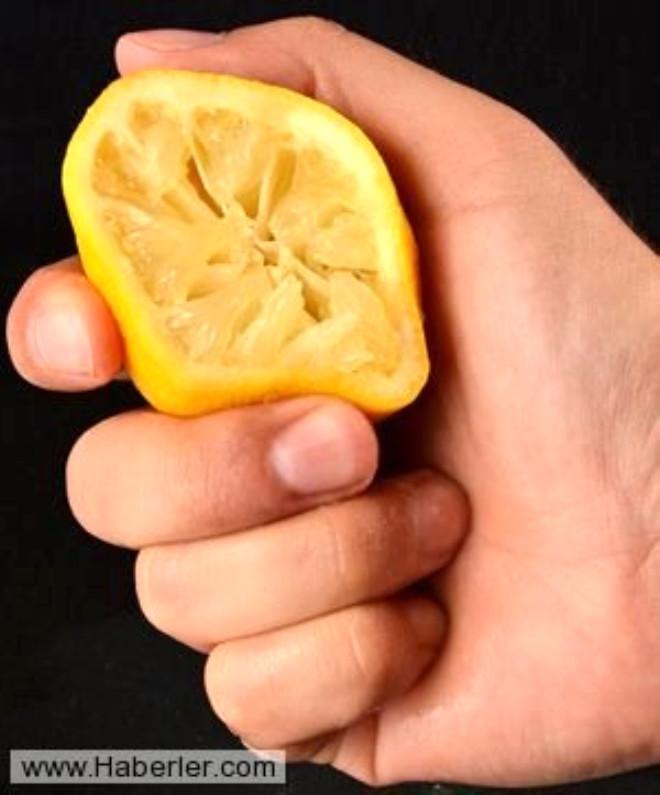 Paslanan bıçakları limon suyunda bekletirseniz pastan arındırabilirsiniz.
