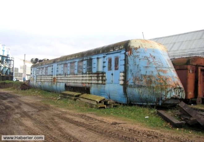 Sovyet standart demiryolları üzerindeki denemelerde 250 km/saat