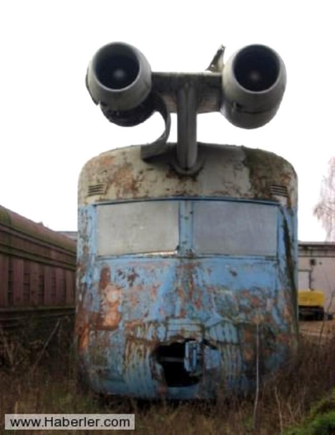 Ancak nihayetinde trene dahil edilmiş jet motorların yüksek yakıt tüketimi sebebiyle bu projeden vazgeçildi.