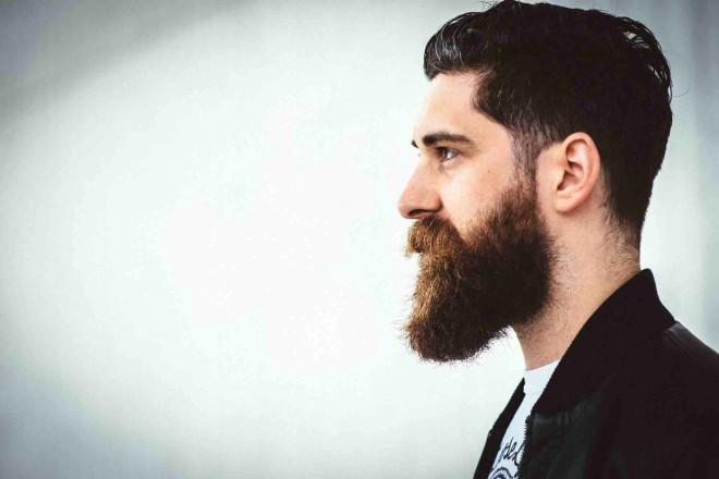 Ayrıca sakallı erkekleri daha erkeksi, cinsel olarak daha aktif, fiziksel olarak da daha çekici buluyorlar.