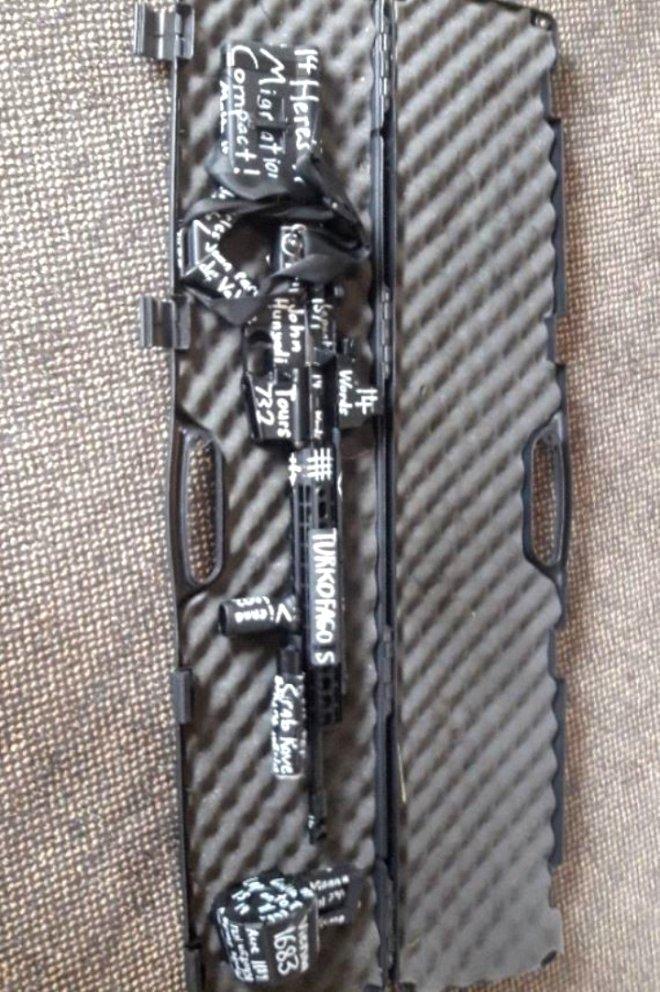 Katliam da kullanıldığı silahın üzerinde