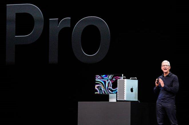 En iyi CPU performansına sahip olmak isteyen müşteriler için tasarlanan Mac Pro, 28 adede kadar çekirdeğe sahip güçlü Xeon işlemcilere, büyüleyici bir performans ve devasa bant genişliği için 64 adet PCI Express şeride sahip. Bu özellikleriyle Mac Pro, prodüksiyona yönelik render işlemi, aynı anda bir düzine iOS aygıtında yüzlerce sanal müzik aleti çalma veya bir uygulamanın simülasyonunu yapma gibi iş akışları için mükemmel.  Ayrıca işlemcinin her zaman sorunsuz bir şekilde çalışması için 300 W güç ve son teknoloji termal mimariye sahip.