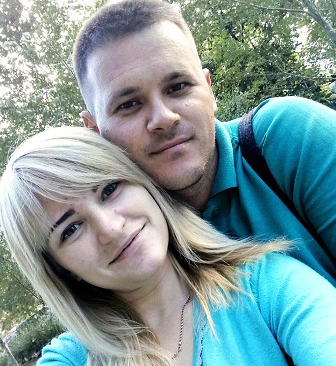 Cani anne Vladislava Trokhimchuk ve erkek arkadaşı Anton Podchapko