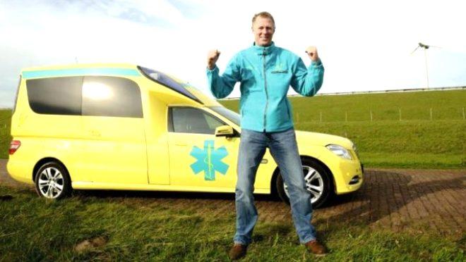 Ancak 60 yaşındaki Hollandalı ambulans şoförü Kees Veldboer, mesleğini farklı bir boyuta taşıyıp, ölüm döşeğindeki hastaların son dileklerini yerine getiriyor. Kees Veldboer, BBC ile son ziyaretlerinden bazılarını paylaştı.