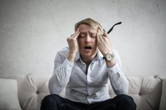 Baş ağrısı nedir? Baş ağrısı neden olur? Baş ağrısı nasıl geçer?